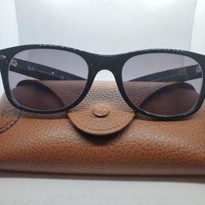 RAY-BAN RB2132 901/58 NEW WAYFARER Sunglasses